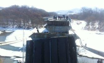 Виновника обрушения моста в Приморье задержали сотрудники ГИБДД