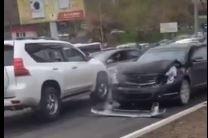 движение по встречке, нарушение ПДД в Приморье, Прадо, полиция Владивостока, Гибдд, авария, дтп во Владивосток